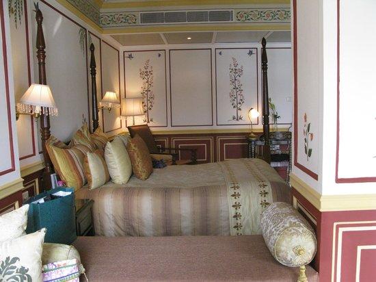 Taj Lake Palace Udaipur: bedroom