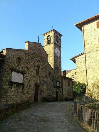 Holiday House Il Borgo dei Corsi : 街の中心にある広場