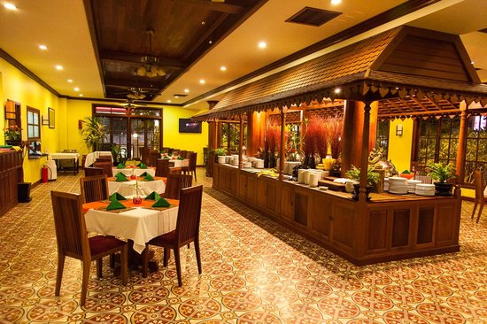 Royal Crown Hotel: Dinning area, breakfast buffet has huge choices
