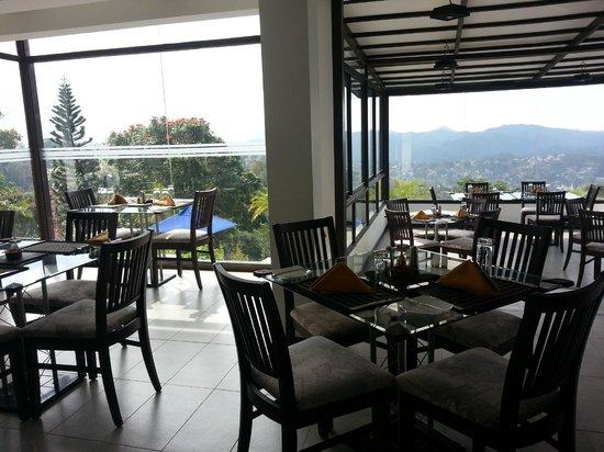 Theva Residency : restaurant