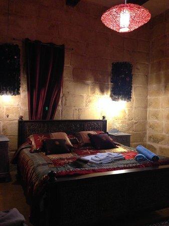 Chapel 5 Palazzo Suites B&B: La suggestiva camera della nostra suite