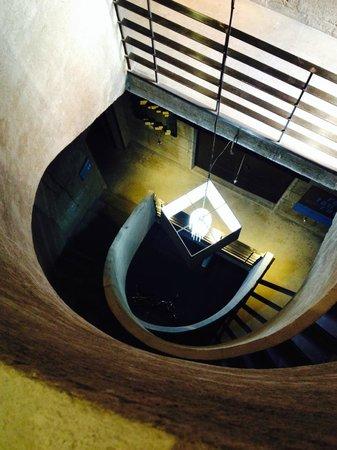 Brondo Architect Hotel: Лестница