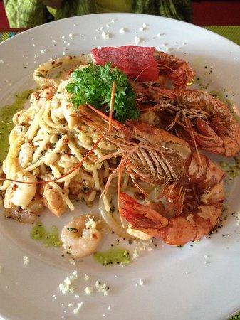 The Limestone's Fine Dining: SEAFOOD SPAGHETTI AGLIO E OLIO