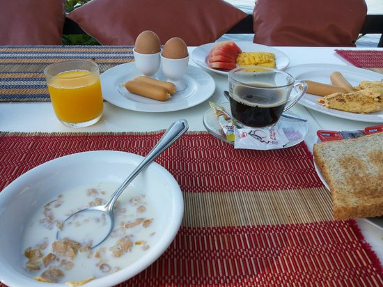 Krabi Tropical Beach Resort: continental breakfast