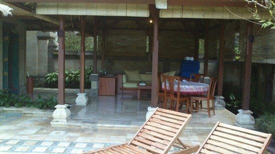 Puri Wulandari Boutique Resort: Outdoor area