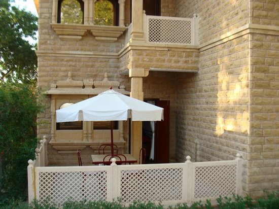 Gorbandh Palace : Balcony with the room