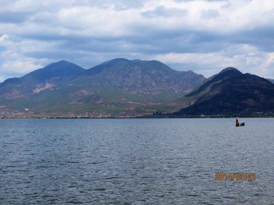 Lashi Lake : 湖の景色