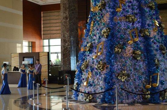 Radisson Blu Cebu: Christmas deco at Radisson Cebu