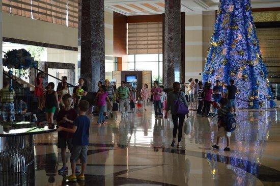 Lobby Radisson Blu Cebu