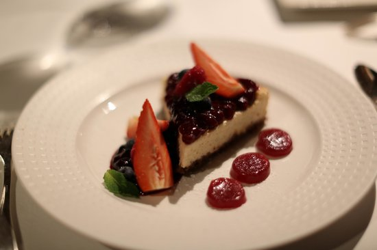 MAIA Luxury Resort & Spa : The most delicious Cheese cake in the world!