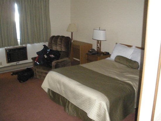 Western Heritage Inn: Good size & comfortable/clean