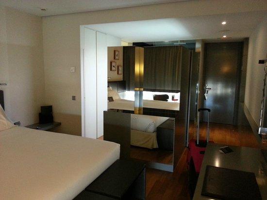 Hotel Reina Petronila : Habitacion