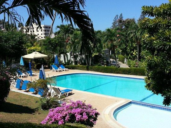 Pen Villa Hotel : Sehr schöner Pool