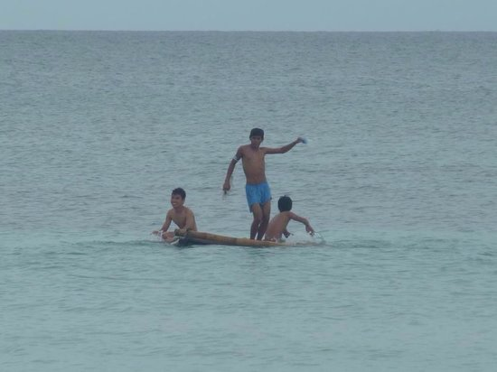 Beach Placid Resort, Restaurant and Bar: The raft