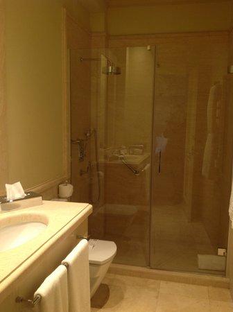 Boutique Hotel Casa del Poeta: salle de bain avec douche à l'italienne