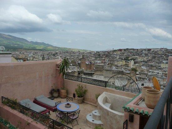 Riad Tara Hotel & Spa : vue terrasse