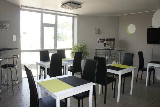 Hotel La Cote D'Argent: salle petit déjeuner