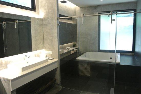 Idyllic Concept Resort: The bathroom  fro 514
