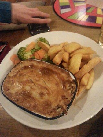 Sticklebarn: Steak and ale pie