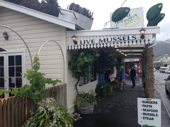 The Mussel Pot: from outside