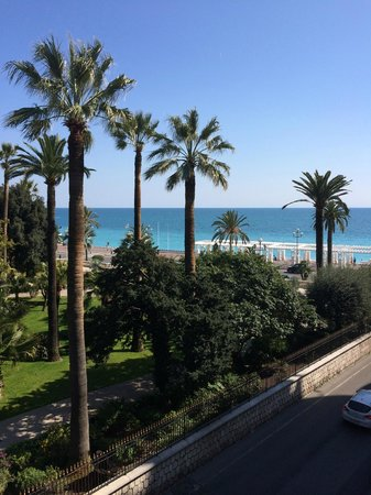 "Hotel Negresco : ""partial"" seaview rom!"