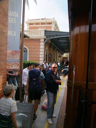 Ferrocarril de Soller : The station at palma