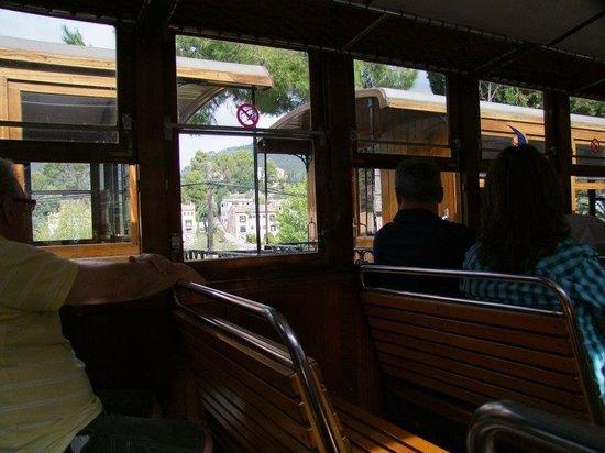 Ferrocarril de Soller : On board