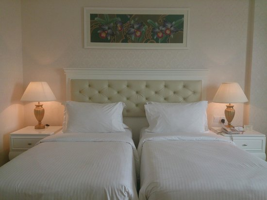 The Royale Chulan Damansara: nice bed