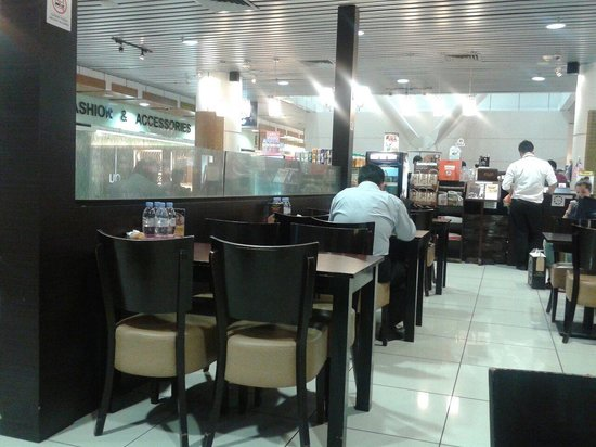Malaysian Recipe Cafe: Dining area & front counter