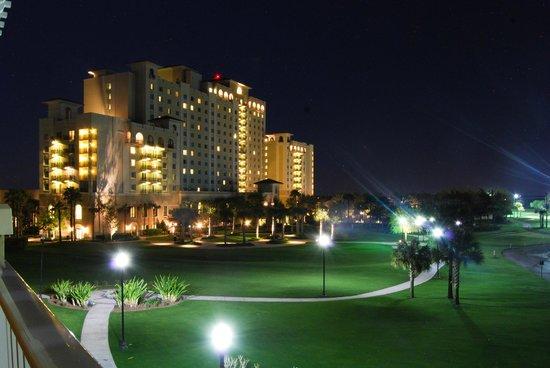 Omni Orlando Resort at Championsgate : Hotel by night