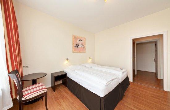 Novum Hotel Plaza Düsseldorf Zentrum: Zimmer