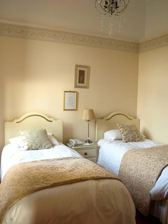 Branston Hall Hotel: Room 115 (connecting room)
