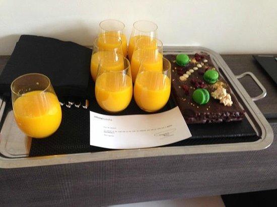 Hotel Olivia Balmes: Birthday Cake
