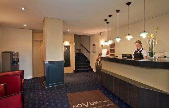 Novum Hotel Continental Hamburg Hauptbahnhof: Lobby