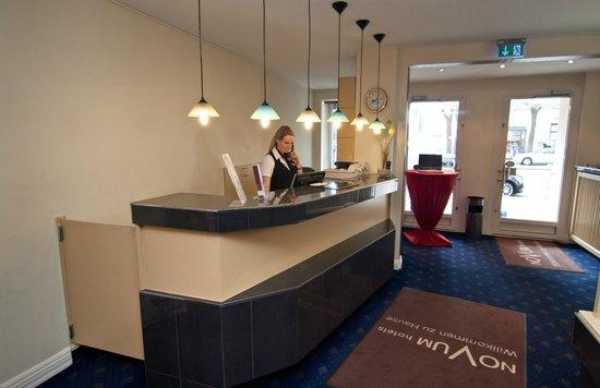 Novum Hotel Continental Hamburg Hauptbahnhof: Empfang