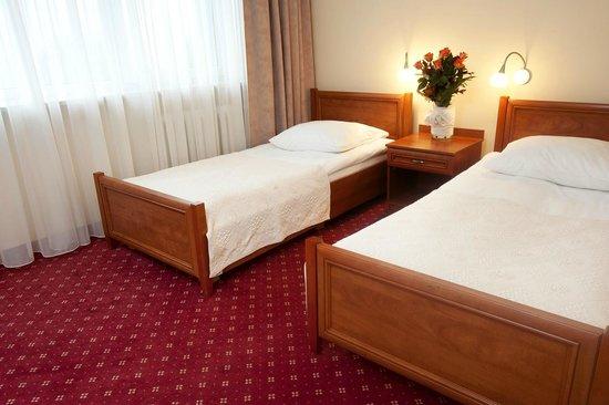 Hotel Atos: Room