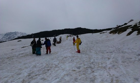 Devi Darshan Lodge: Skiing