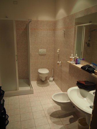 Hotel Umbra: Very nice bath
