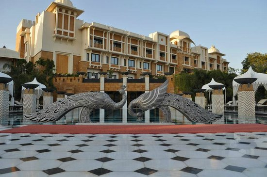 The Leela Palace Udaipur: The Pool overlooking the guava garden