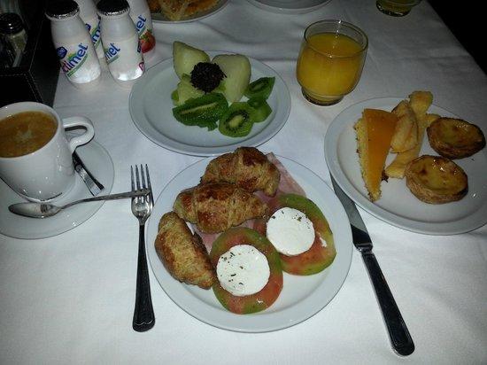 Hotel Lisboa Plaza: desayuno buffet