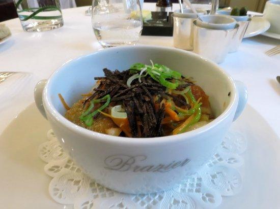 La Mere Brazier : Second service : cuisses en bouillon thaï