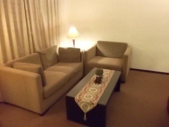 Taipei Gala Hotel: 部屋のリビング部分です。