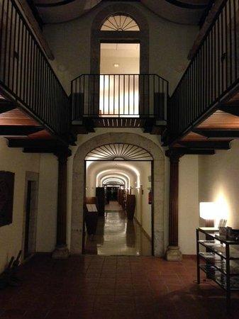Hotel El Convent: Entrada y Recepción