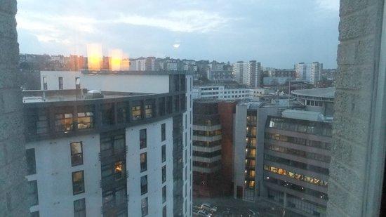 Premier Inn Bristol City Centre (Haymarket) Hotel: room view