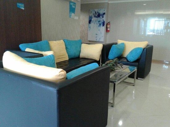 Everyday Smart Hotel: The lobby