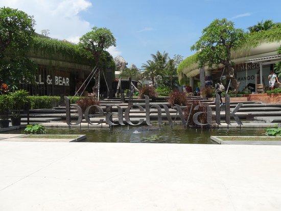 Beachwalk Shopping Center: beachwalk