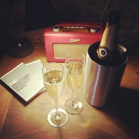 The Crown Inn: complimentary champagne on arrival (room 12)