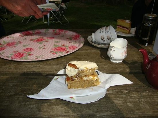 Roses Pop-Up Vintage Tea Room : What a treat