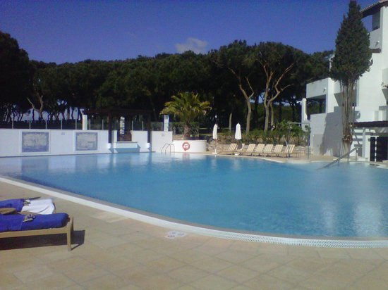 Pine Cliffs Hotel, a Luxury Collection Resort: The Pool