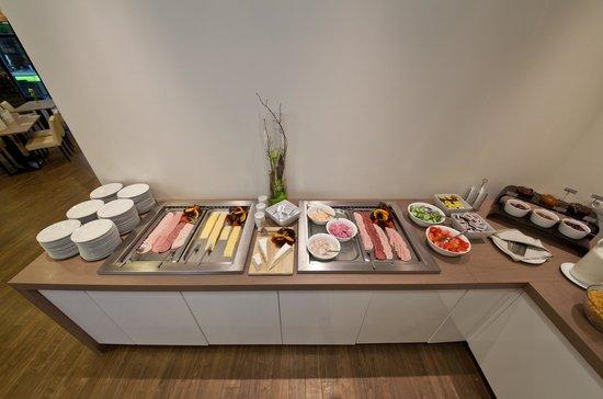 Frühstücksbuffet Bild Von Novum Style Hotel Hamburg Centrum
